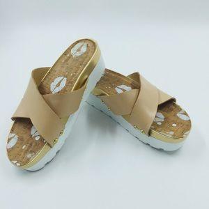 Juicy Couture Cassidy Platform Sandals 8 EUC